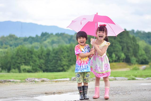傘のサイズは子供の身長に合わせて!選び方・測り方の目安やコツは?