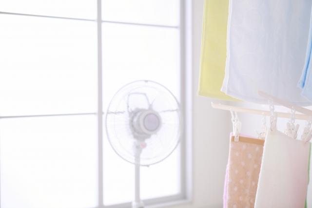 室内干しで早く乾かす方法!梅雨の洗濯と部屋干しのコツまとめ